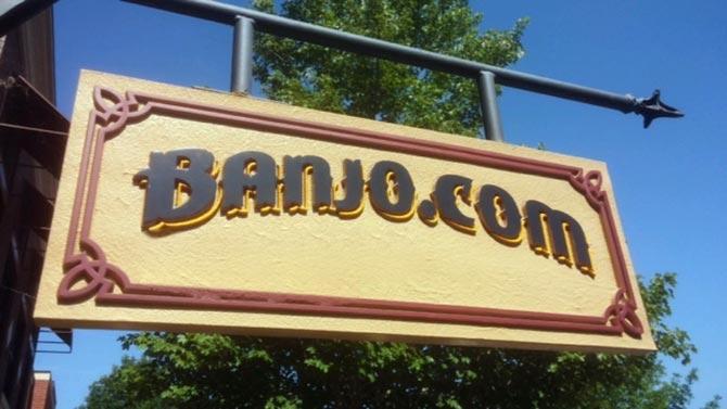 Banjo.com store sign